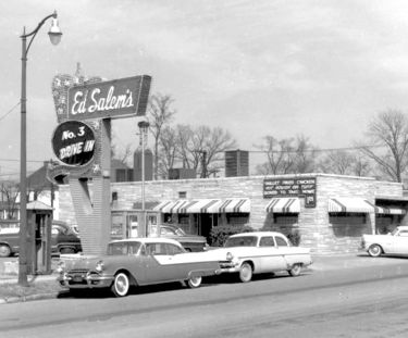 Ed Salem's Drive-In No. 3. Photograph by Charles Preston.  Courtesy Birmingham Public Library