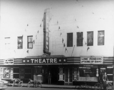 [Image: 375px-Woodlawn_Theatre.jpg]