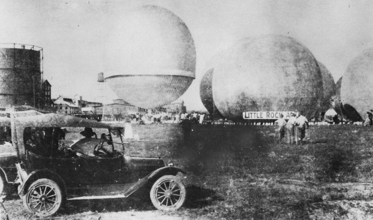 [Image: 1200px-1920_balloon_race.jpg]