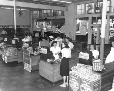 [Image: 375px-1949_Hills_Grocery_interior.jpg]