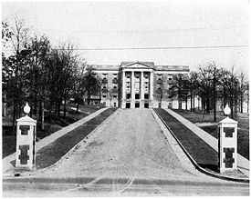 Munger Hall, with administrative offices and a large auditorium, was completed in 1928